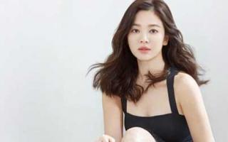 Song Hye Kyo lần đầu xuất hiện trước báo giới và người hâm mộ ở Hàn Quốc sau khi ly hôn