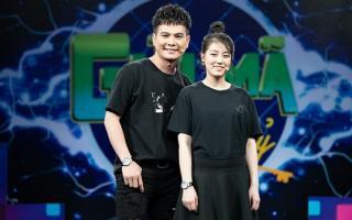 """""""Ông vua nhạc miền Tây"""" Lâm Hùng lần đầu đưa vợ lên sóng truyền hình, tiết lộ ấn tượng lần đầu gặp khó quên"""